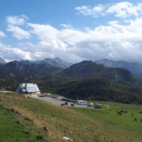 Licitación pública para la gestión integral del Refugio de Montaña Ángel Olorón de Belagua.