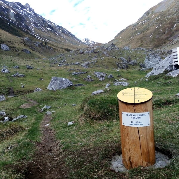 Completada la ruta transfronteriza entre los refugios Ángel Olorón de Belagua y el de l'Abérouat de Lescun